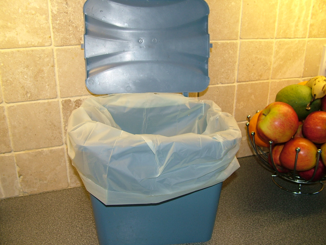 Kitchen Waste Bags | Fill the bag not the planet